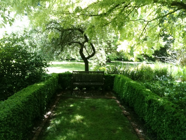 external image Superb-layout-and-plant-selection-in-considerable-summer-shade.jpg