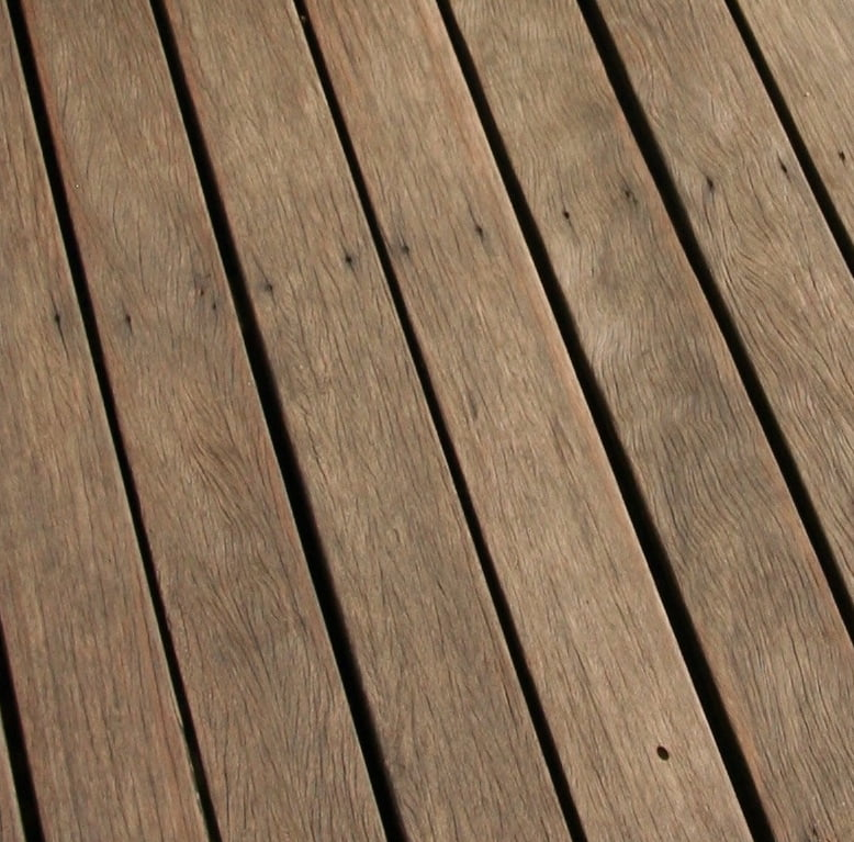 Deck close up after application of Sikkens Cetol HLS