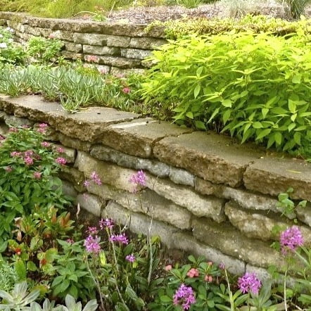 How to build a reused concrete wall gardendrum - How to build a garden retaining wall ...