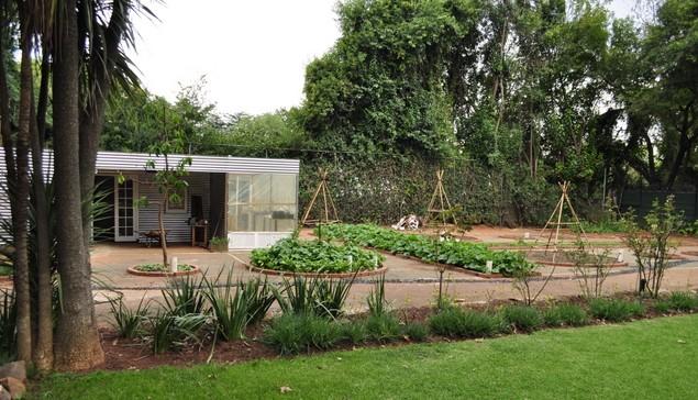 The tennis court garden