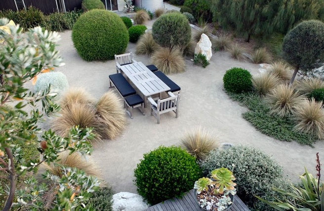 Visit two gardens designed by Fiona Brockhoff on the ALC garden tour
