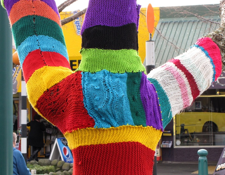 Yarn bombing in Tauranga2