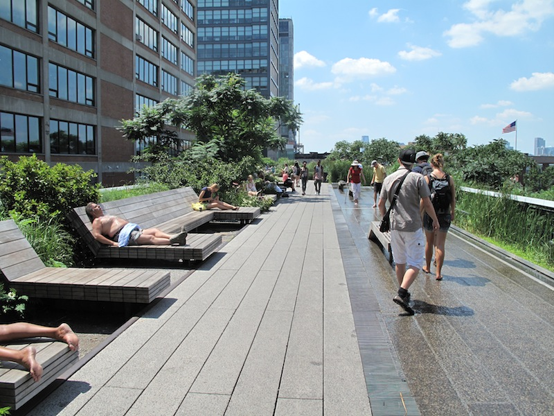 Different forms of relaxation on the High Line