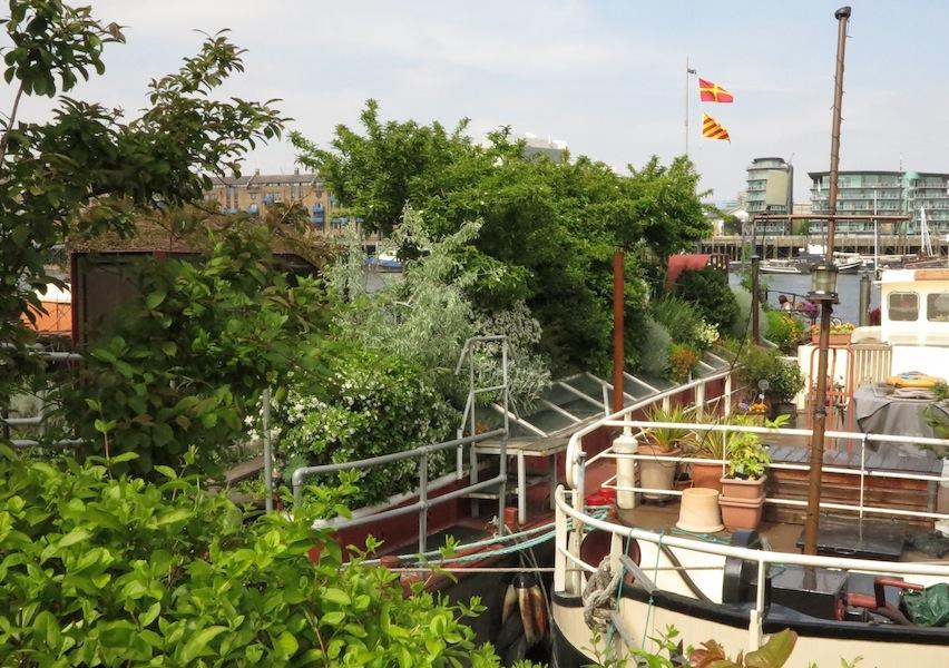 London Barge Gardens39