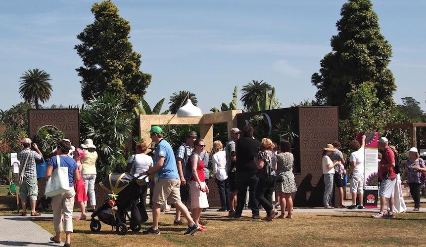 Great crowds around the garden at the Australian Garden Show Sydney