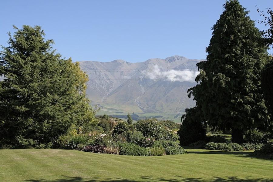Lyn & Bruce Nell's garden near Christchurch, New Zealand