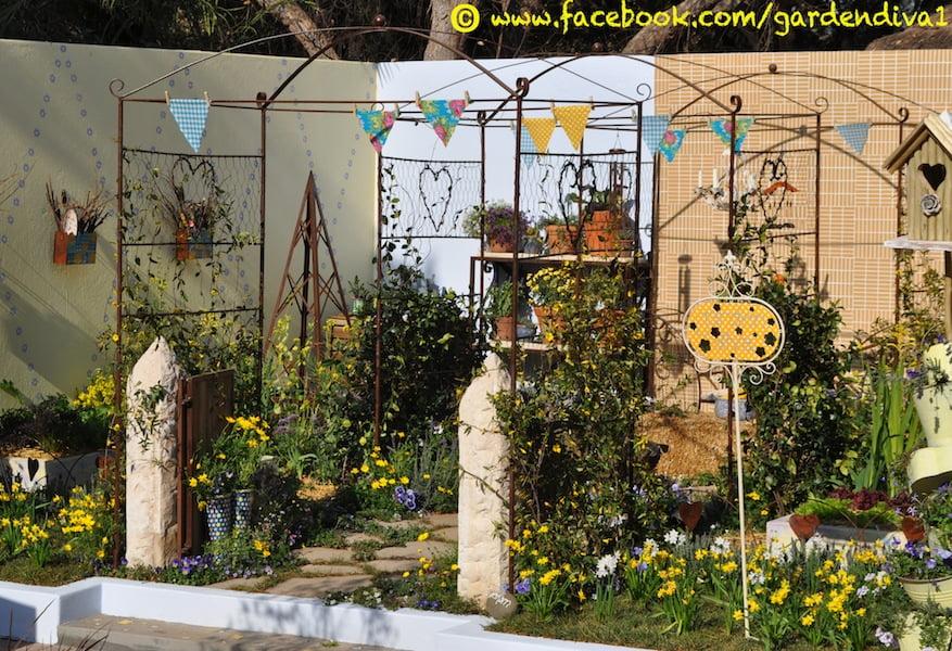 Small garden design by Lizette Jonker