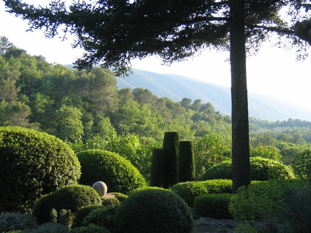 La Louve, the garden of Nicole de Vésian. Photo courtesy Louisa Jones, from her book Modern Design in Provence: the Gardens of Nicole de Vésian