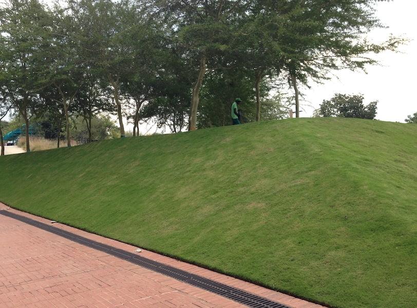 Square mounds outside the //hapo