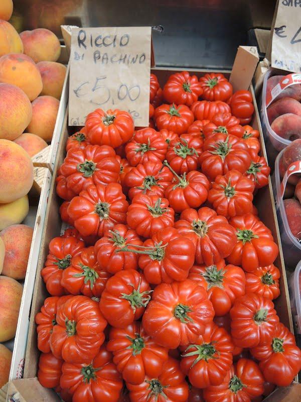 02 Italian market tomatoes