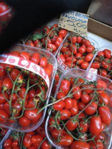 03 Italian market tomatoes