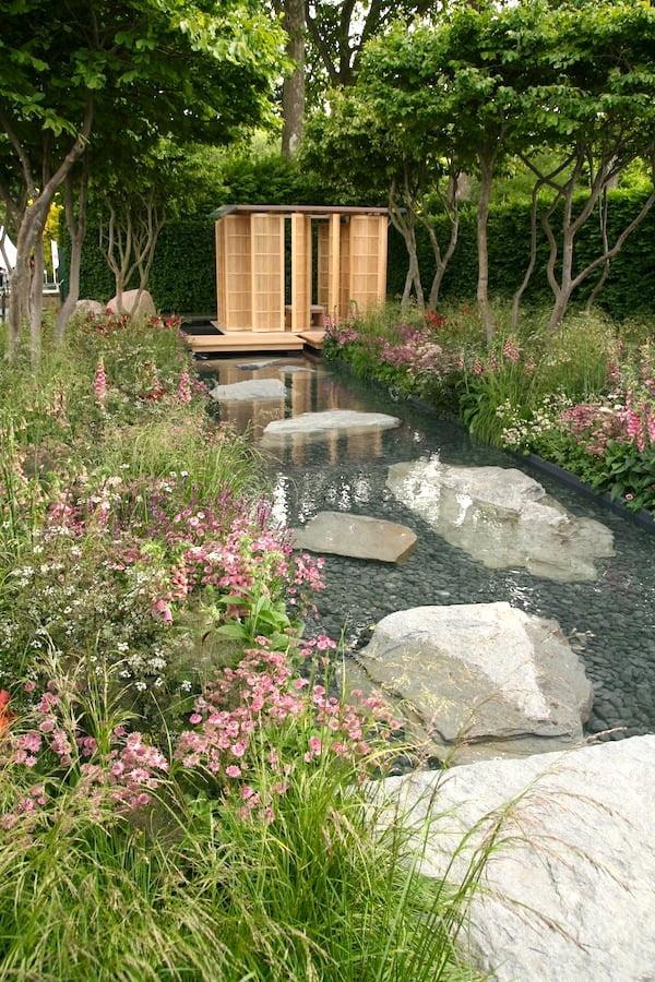 Laurent Perrier garden. Design Luciano Giubbilei. Chelsea Flower Show 2011