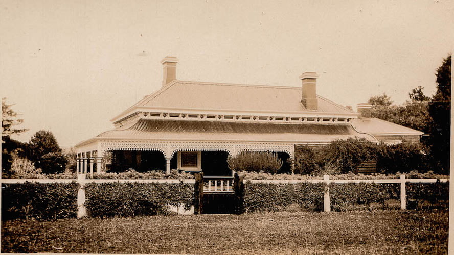 Faded sepia photographs taken in the 1930s show the lovely old Victorian homestead 'Cluanie' (1895) with frustratingly minuscule glimpses of the garden. Image courtesy original family members