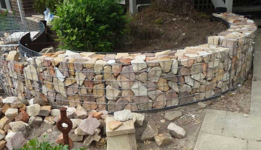 yay ive finished packing the first few sections - Gabion Walls Design