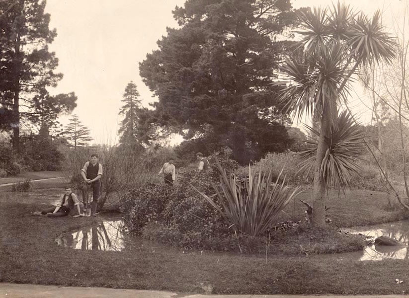 Students working around Luffman's pond c 1911 (courtesy Burnley Archives)