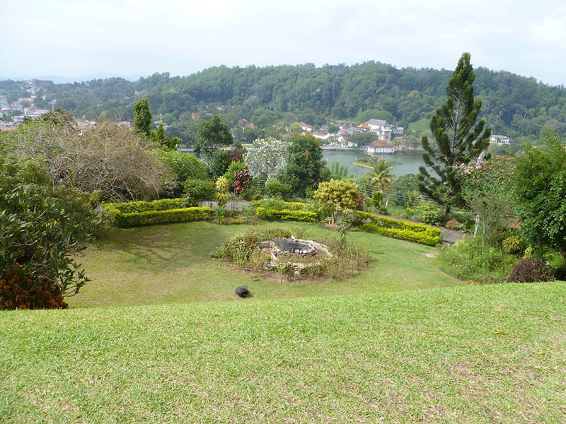 Private garden in Kandy overlooking lake. Photo Fiona Ogilvie