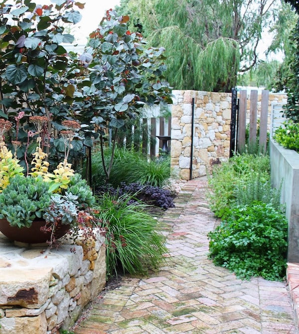 Long Narrow Garden Design Ideas: A Garden Design For A Long, Narrow Site