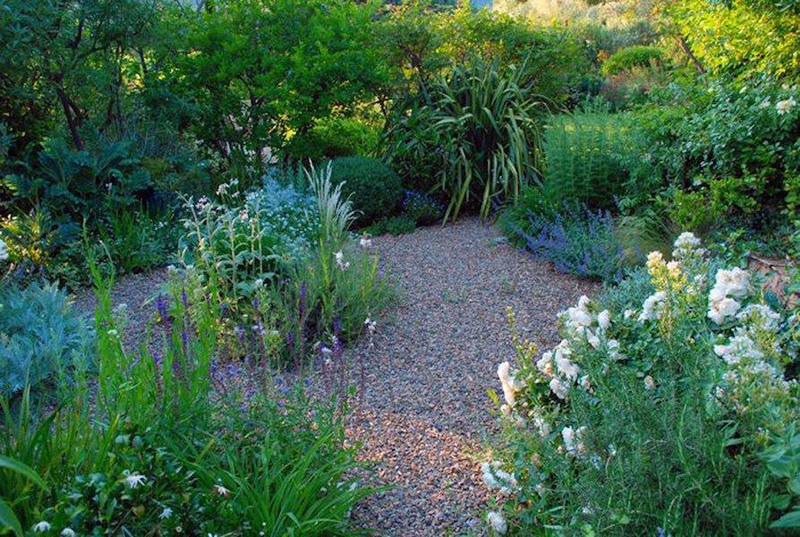 Mediterranean Garden Gravel Garden - La Pietra Rossa, Italy Photo & design Maurizio Usai