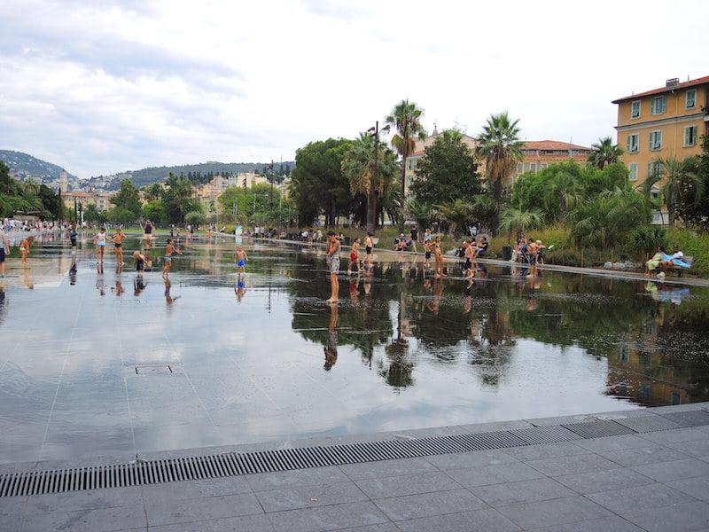 Mirroir d'eau (water mirror) in Promenade du Paillon, Nice