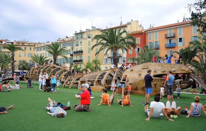 Equipment for older children. Promenade du Paillon, Nice