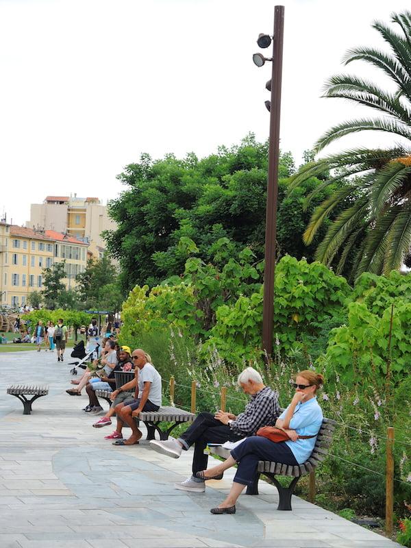 Plenty of comfortable seating. Promenade du Paillon, Nice