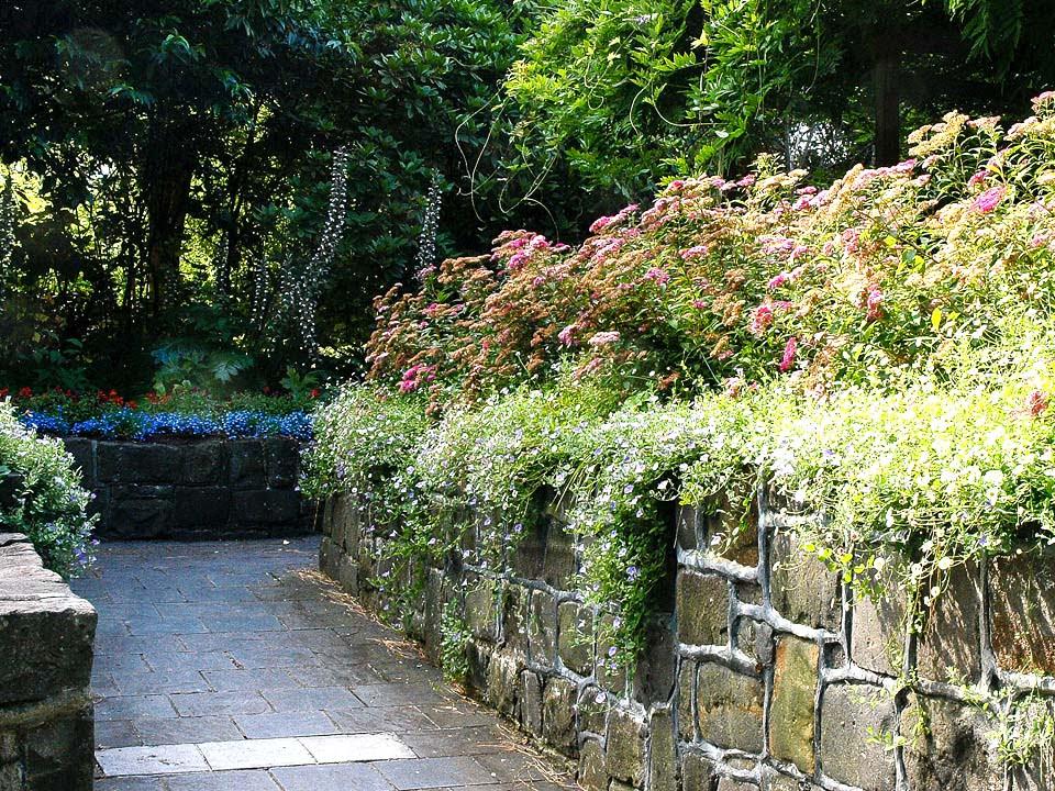 Sunken Courtyard (Anne Vale)