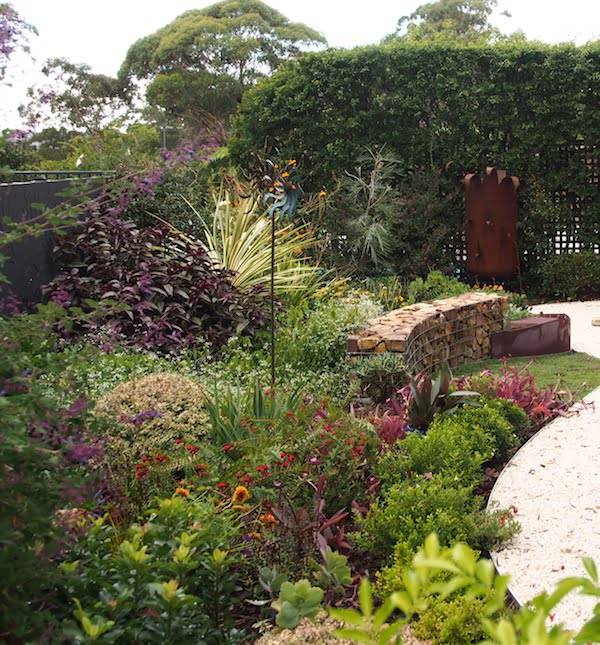 Drought hardy shrubs mixed with selected perennials