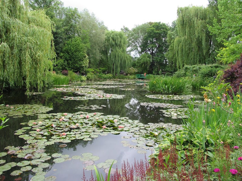 The famous bridge view at Monet's garden in Giverny