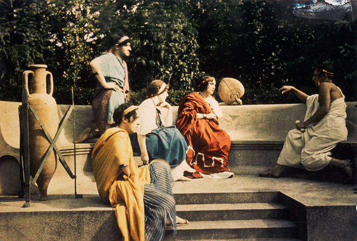 Roman garden and guests at La Villa des Iris c1932
