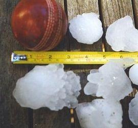 270px-1999_Sydney_hailstorm_stones