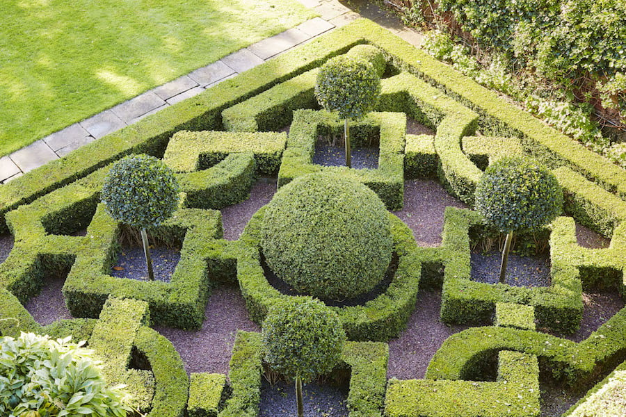 Great Gardens of London Ormeley Lodge page 175 Photo (c) Hugo Rittson Thomas