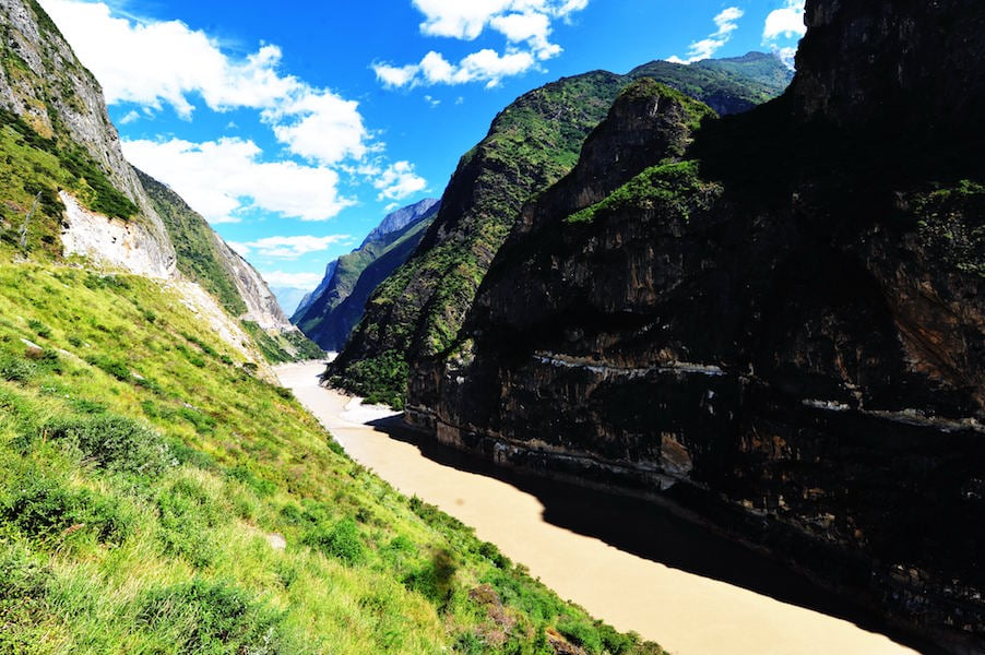 Tiger Leaping Gorge - the world's deepest gorge on the way to Shangri-La