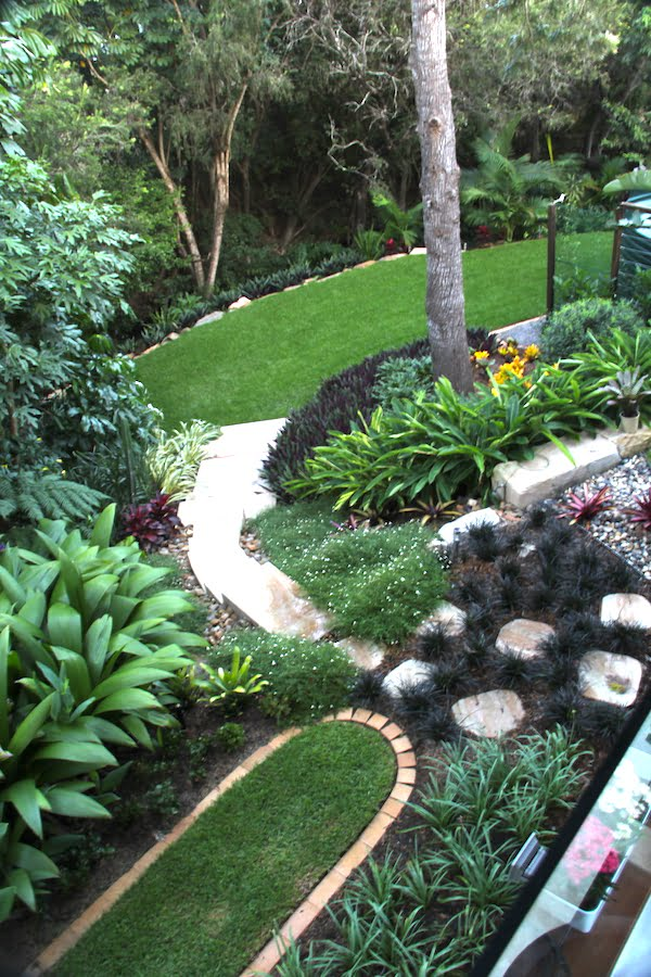 View of the garden from upper deck Design by Define Landscape Architecture