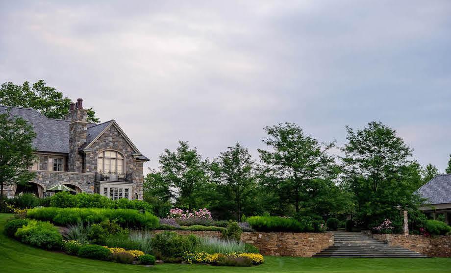 APLD Gold Award Byrn Mawr residence. Design Charles Hess Landscape Architects