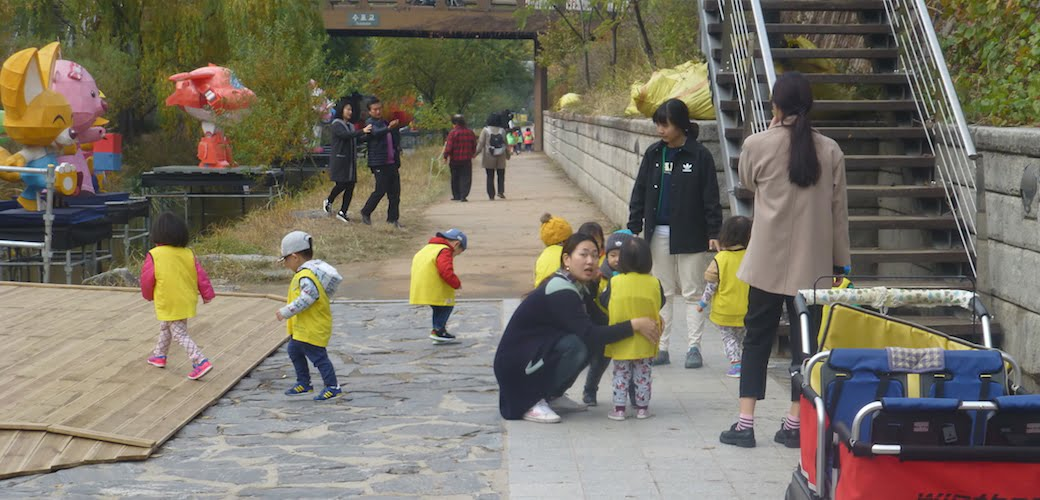 Cheonggyecheon Stream - tiny users in action