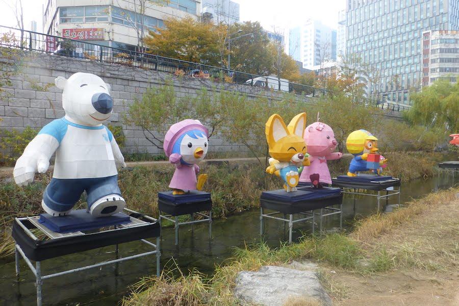 Cheonggyecheon Stream temporary sculptures