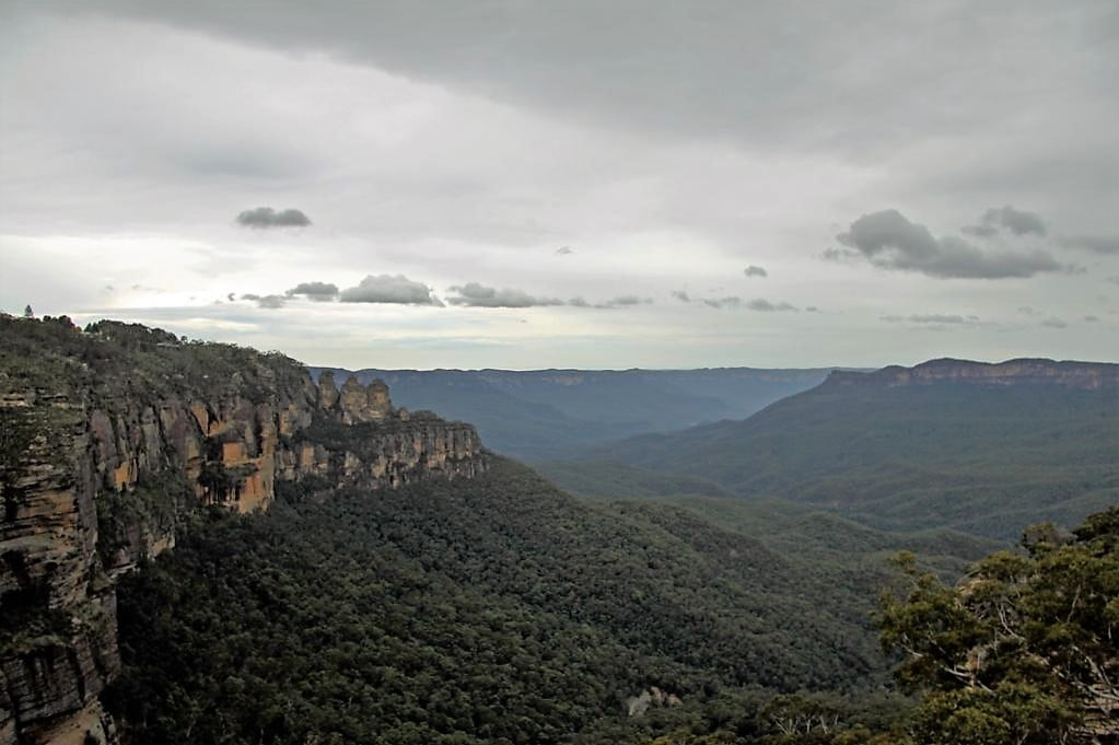 The Blue Mountains and Three Sisters, Katoomba