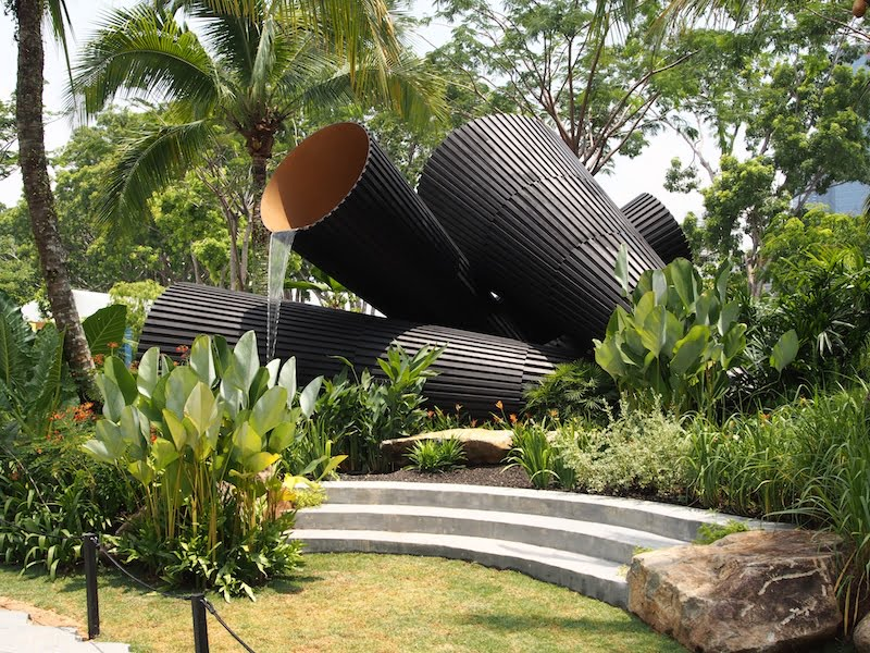 'Full Circle?' by Andy Sturgeon. Singapore Garden Festival 2014. Photo Catherine Stewart