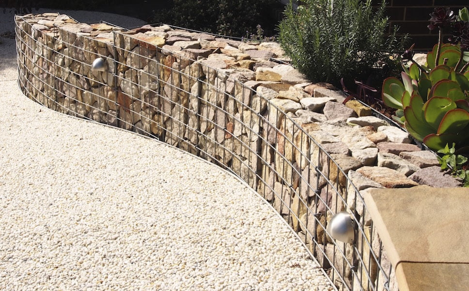 Link Edge keeps the gravel from spilling into the gabion wall