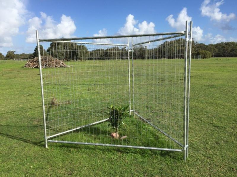 Temporary fencing panels for protection from cows and kangaroos