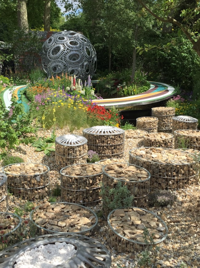 The Brewin Dolphin Garden – Forever Freefolk designed by Rosy Hardy awarded a silver medal. Chelsea Flower Show 2016