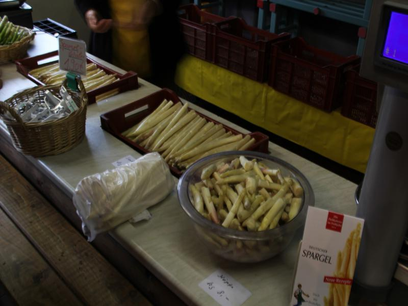 White asparagus sold from the farm. Note the aparagus peelers to the left