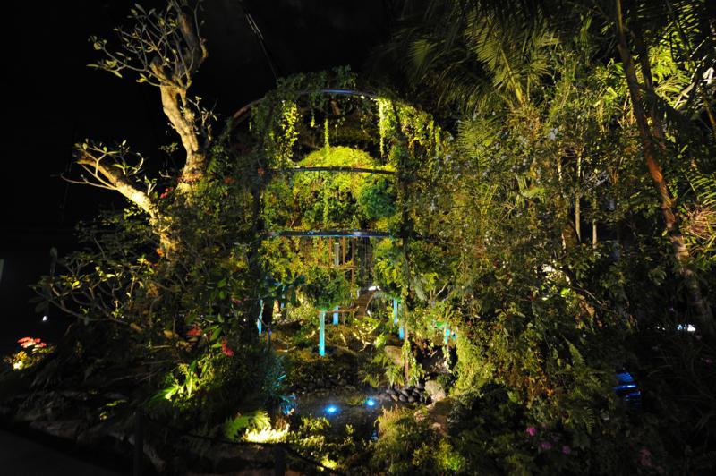 Fantasy Gardens, Katsuhiko Koga and Kazuhiro Kagae awarded Gold and Best Indoor Lighting. Photo courtesy of Singapore Garden Festival