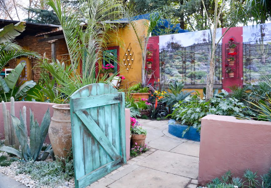 Designer gardens at garden world 39 s spring festival 2016 - Mexican style patio design ...