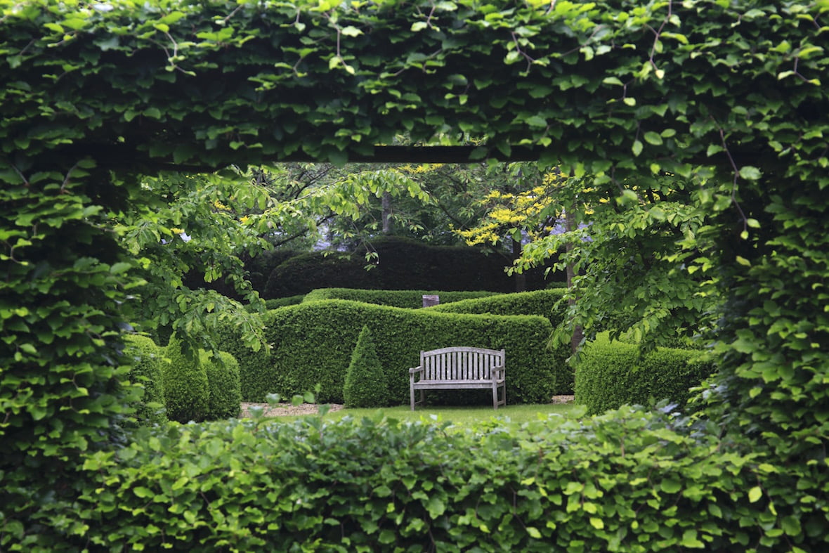 Crisply defined hedges and skilful design in the Jardins de Castillion