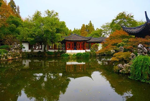 Guozhuang garden, West Lake. Photo 猫猫的日记本 WikimediaCC