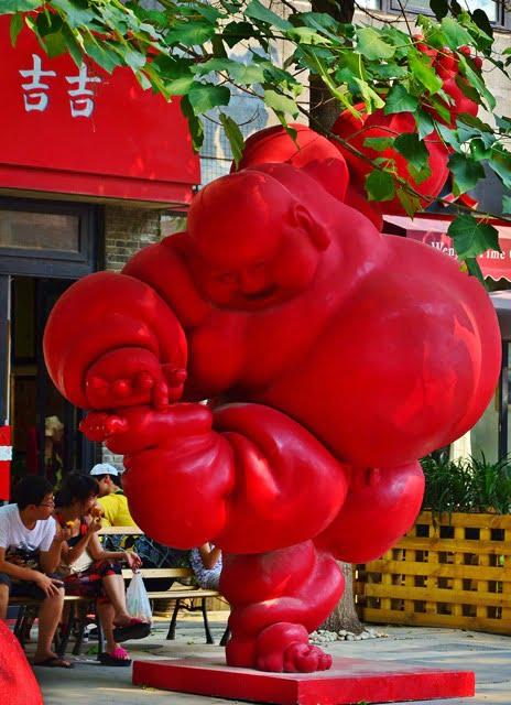 Red sculpture, district 798. Photo Studio5 Graphics/Flickr