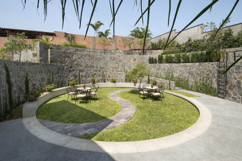 Cockfighting arena garden. Design Nikolas Briceño