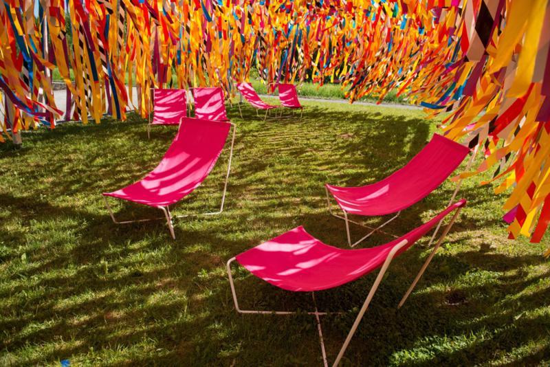 Vertical line garden by designers julia jamrozik coryn for Garden design fest 2014